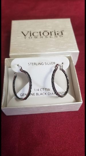 New 925 Sterling Silver, genuine black diamond earrings, 1/4 CT, weight 4 gr, diamonds are out and inside of the hoops for Sale in Fort Mitchell, KY