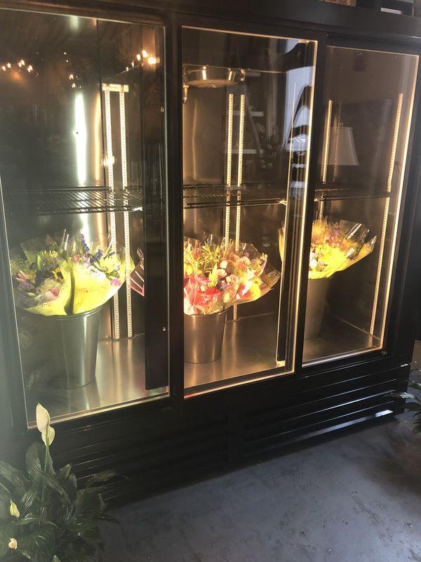 SRC Beverage/Flower Cooler GREAT CONDITION