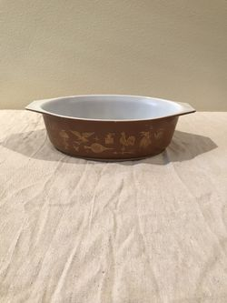 1962 Vintage Pyrex American 043 1 1/2 QT Cinderella Casserole with lid, Colonial Brown w/gold leaf Americana Thumbnail