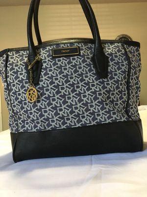 Dkny handbag for Sale in Atlanta, GA