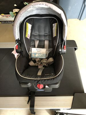 Graco Infant Car Seat With Two Bases For Sale In Puyallup WA