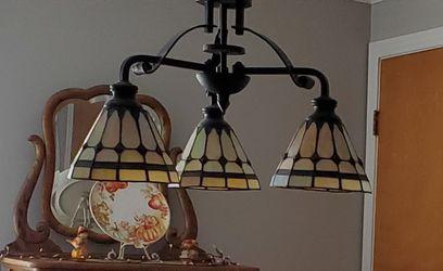Quoisel chandelier Thumbnail