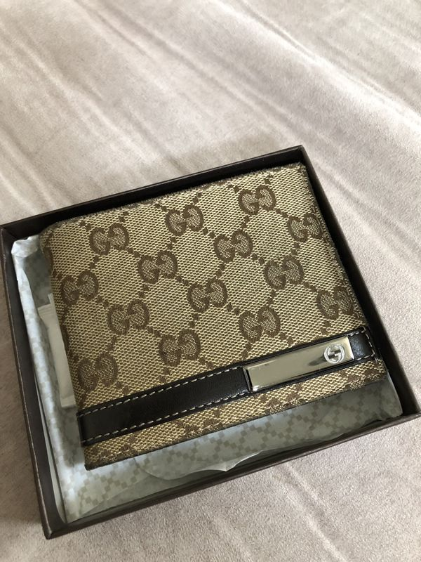 b8f50f33ad4 New and Used Gucci wallet for Sale in Greer