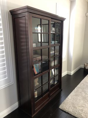 Pottery Barn Garrett Gl Cabinet Bookshelf For In Laguna Beach Ca Offerup
