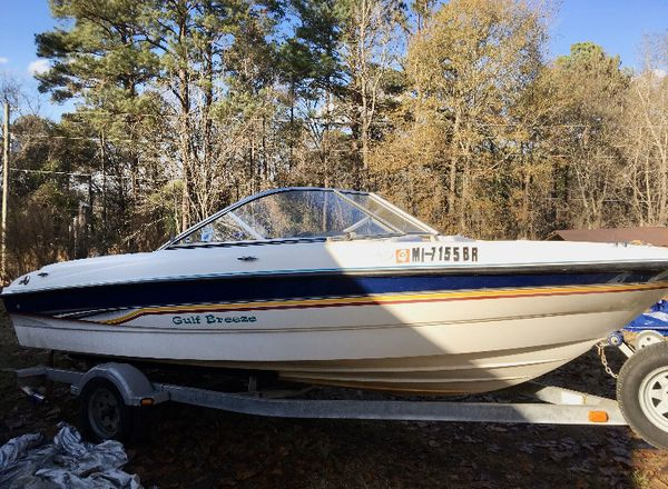 Awesome 2003 bayliner 185 water ready