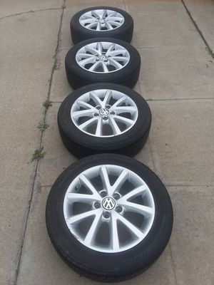 Photo VW JETTA 16 5 X 112 OEM RIMS AND BRIDGESTON TIRES 205/55/16 LIKE 90% LIFE LEFT THEY'LL FIT PASSAT,GOLF,CC ETC $320