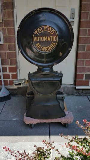 Vintage industrial scale for Sale in Arlington, VA