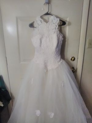 Size8 wedding dress w/veil from the bridal chest for Sale in Martinsburg, WV