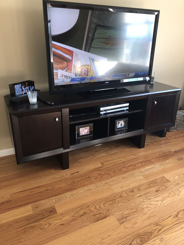 Raymour Flanigan Tv Stand Furniture In East Haven Ct Offerup