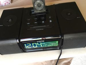 iPod and ihome speaker dock for Sale in Los Angeles, CA