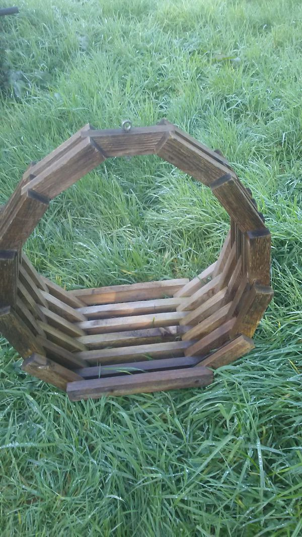 Lg Wooden Hanger For Sale In Aberdeen Wa Offerup