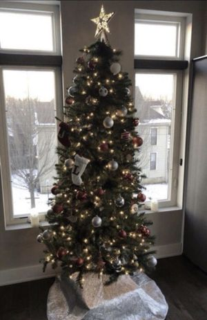 Pre lit tree and star for Sale in Columbus, OH