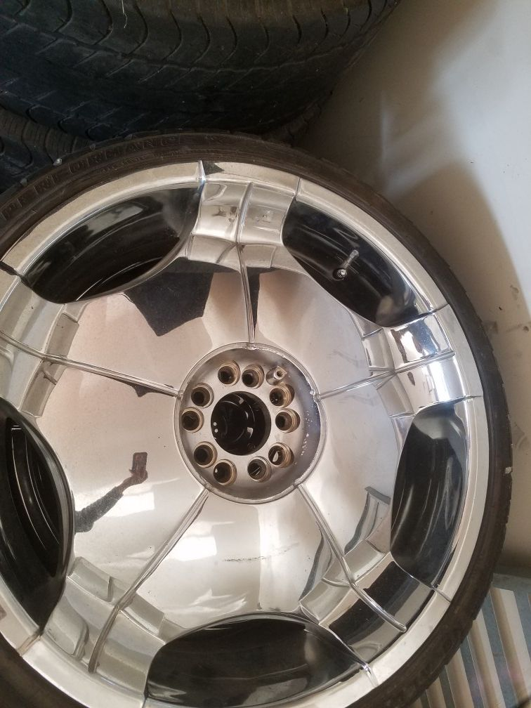 22s Rims with tires