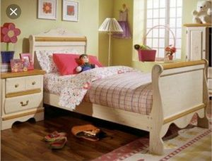Kathy Ireland's girls bedroom set for Sale in Gainesville, VA