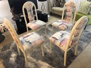 4 dinning table chairs for Sale in North Bethesda, MD