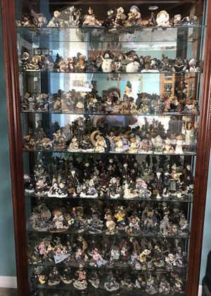 Stunning 8 shelf curio cabinets $1000. Each with entire Boyd Bears Collection for Sale in Orlando, FL