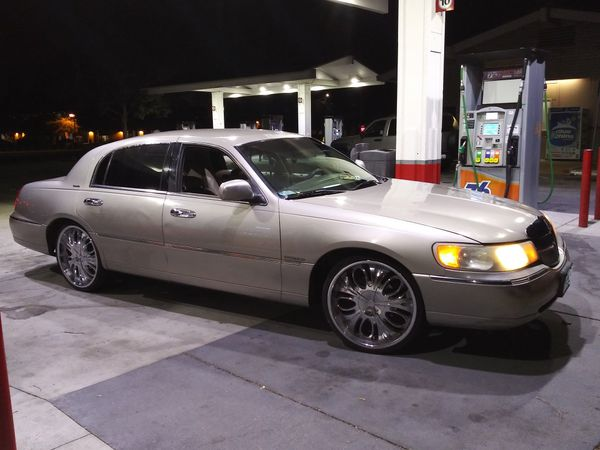 1998 Lincoln Towncar On 22s For Sale In Lancaster Ca Offerup
