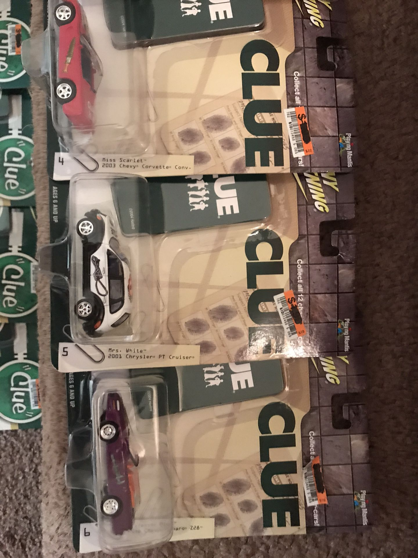 2004-(Clue w/ game cards) 13 Johnny Lightening 1:64 cars