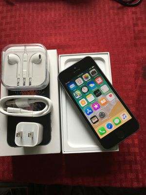 IPhone 5s, Factory Unlocked, Excellent condition for Sale in Arlington, VA
