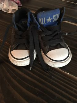 Size 5 toddler converse Thumbnail