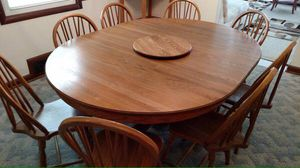 Solid oak dining room table for Sale in Silver Spring, MD