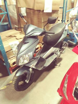 *NEW*2018 YONGFU GAS SCOOTERS 150CC for Sale in Rockford, MN - OfferUp