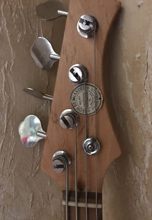 Bass guitar 4st for Sale in Casselberry, FL