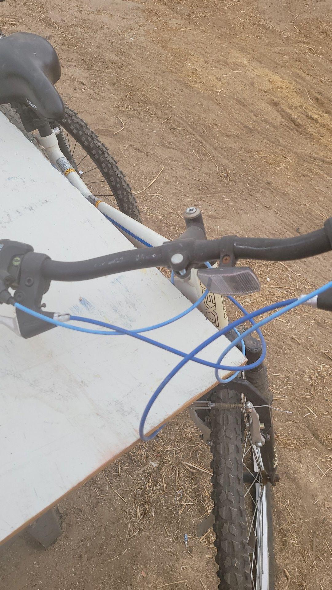3 bikes SCHWINNN needs tires only in good condition