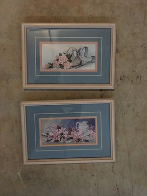 Flowery pictures/frames for Sale in Ashburn, VA
