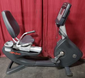 f8142b63a9a Lifefitness 95r Inspire recumbent exercise bike for Sale in Mundelein, IL