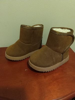 ad65d1a27fa New and Used Toddler ugg boots for Sale in Buffalo, NY - OfferUp