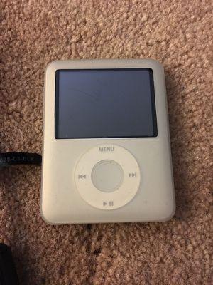 iPod Nano 3rd Generation Silver 4GB for Sale in Alexandria, VA