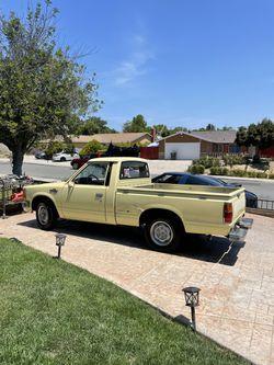 1984 Datsun Pickup Thumbnail