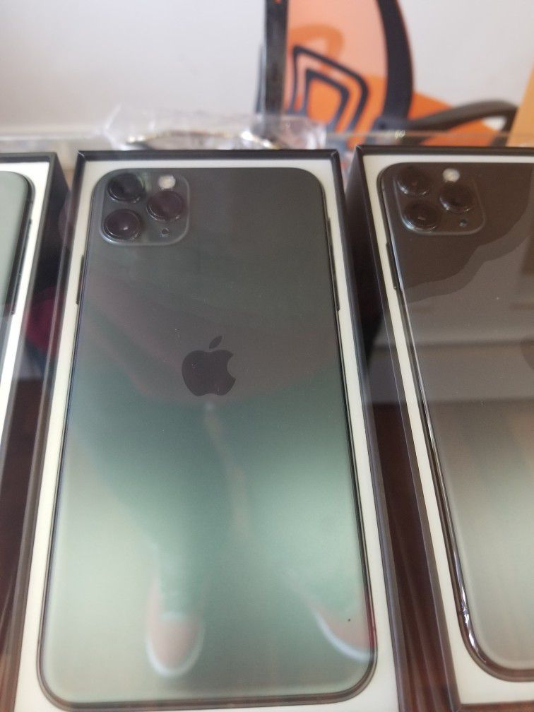 iPhone 11 Pro Max AT&T SERVICES 64GB