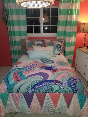 Pottery Barn Teen Bedding Set for Sale in Lake Stevens, WA