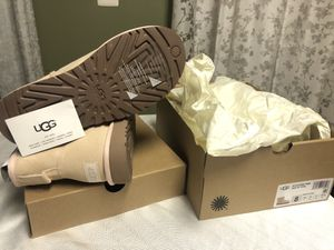 UGG Classic Mini II Boot - Women's Size 8 for Sale in Chantilly, VA