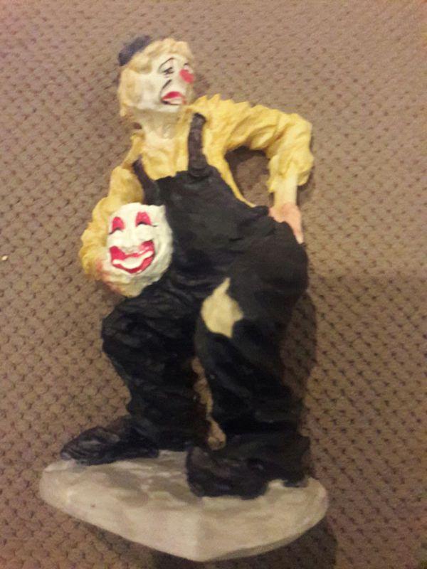 Masquerading Clown, 9