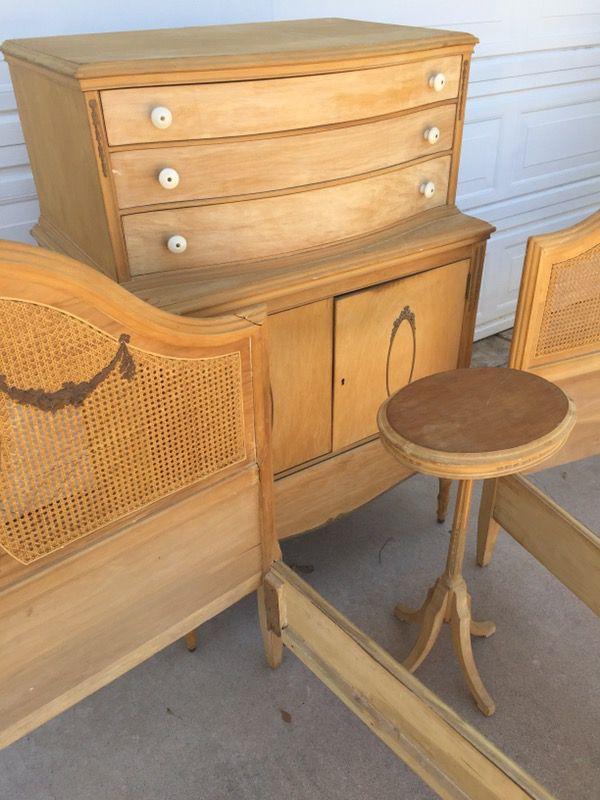 Open in the AppContinue to the mobile website - Antique Sligh Furniture 1920s Bedroom Set Highboy Dresser Vanity