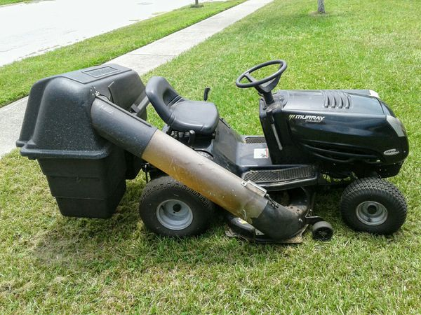 Murray Select Riding Lawn Mower With Bagger System For