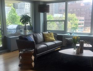 Gorgeous Gray leather sofa for Sale in Chicago, IL