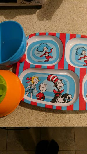 Set of two sticky baby and toddler bowls+ one Cat in the hat toddler food tray / late for Sale in Round Rock, TX
