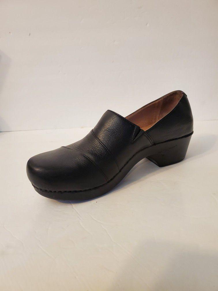 Dansko Women's Jessica Shoe Size 10.5