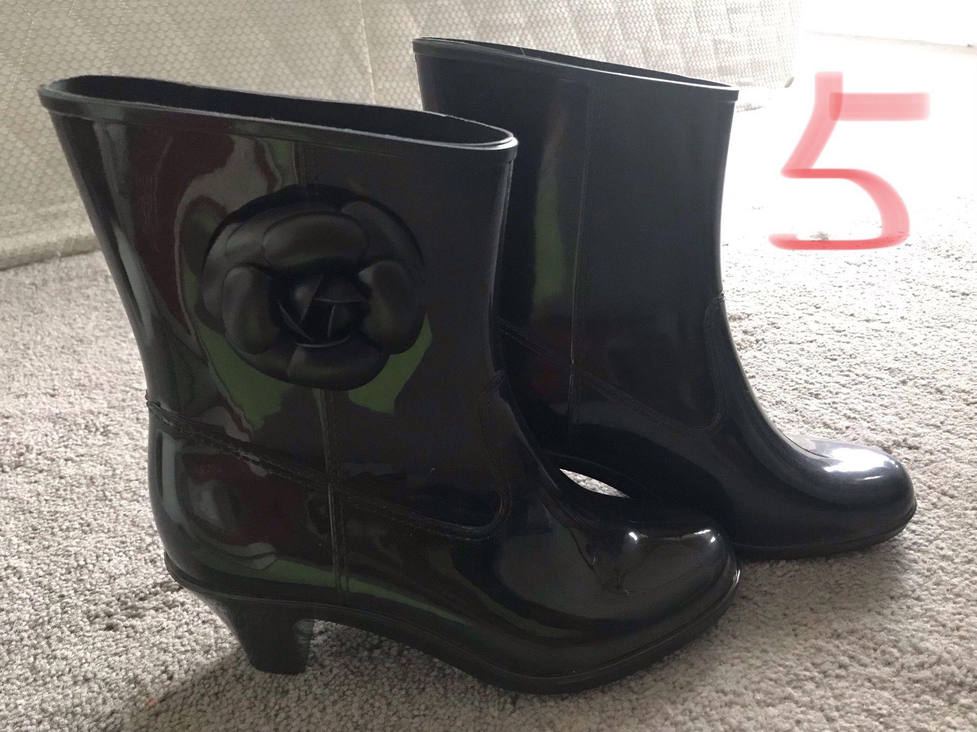 Rain shoes-Brand new