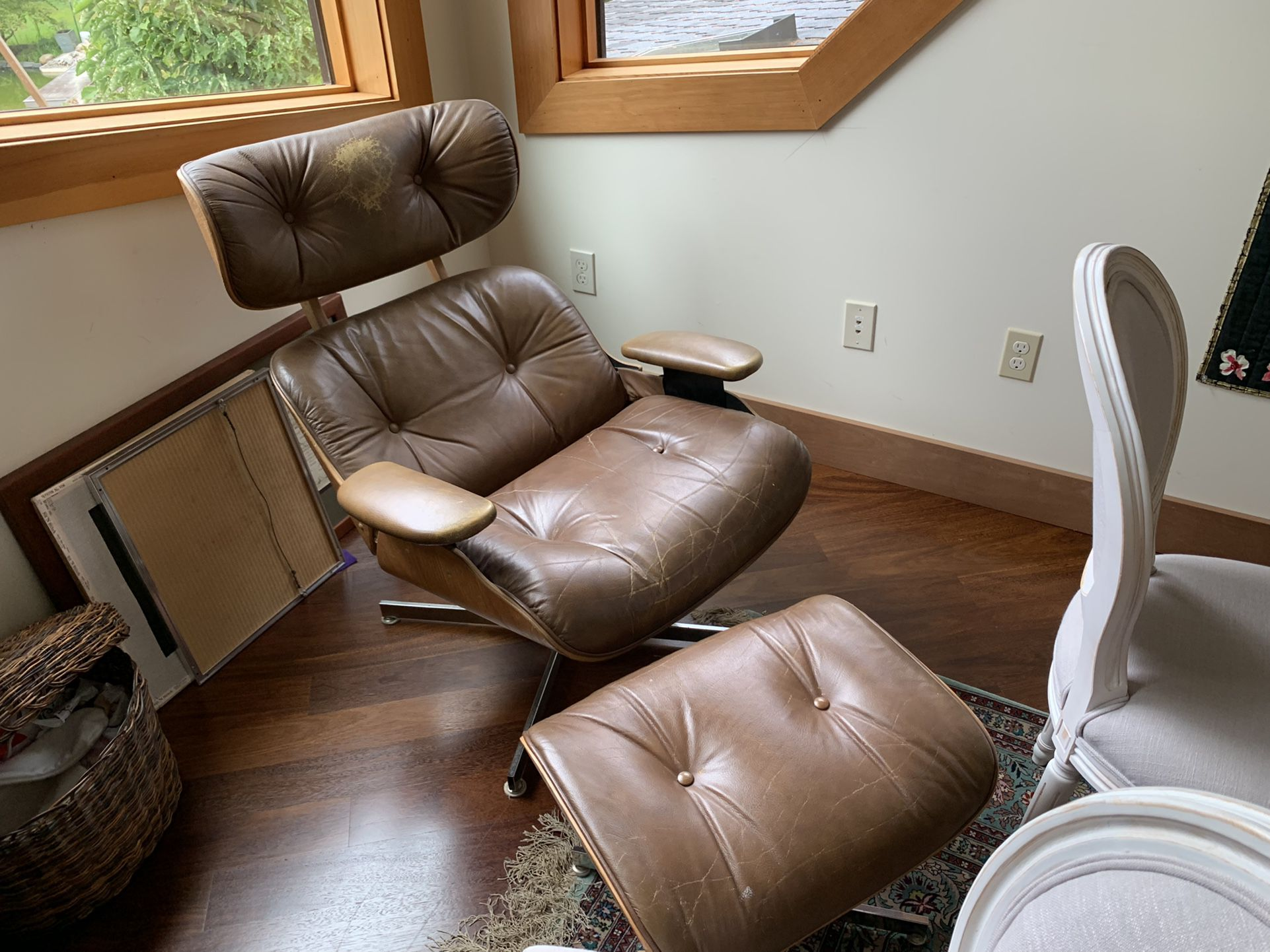 Eames Style Recliner  W/ Ottoman