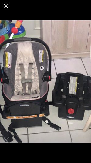 Infant car seat with 2 bases for Sale in Vero Beach, FL