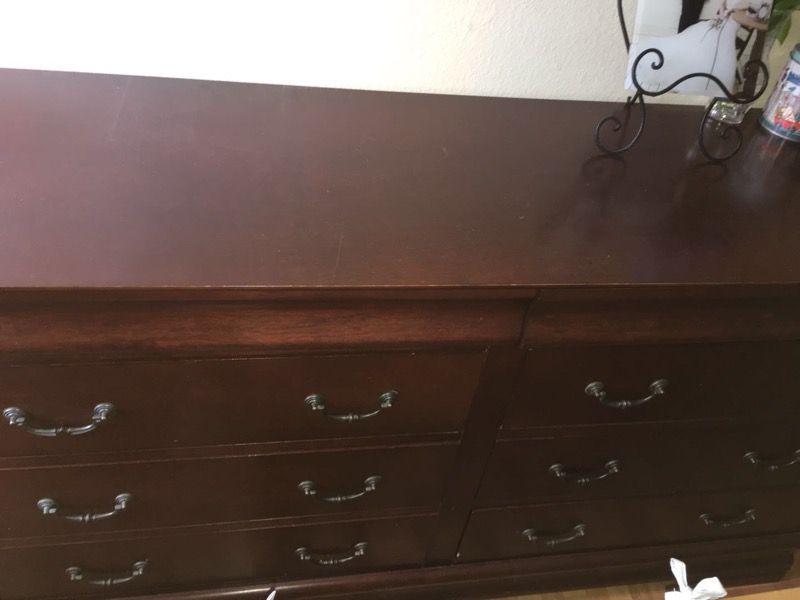 Bedroom furniture queen size bed two night standing one dresser