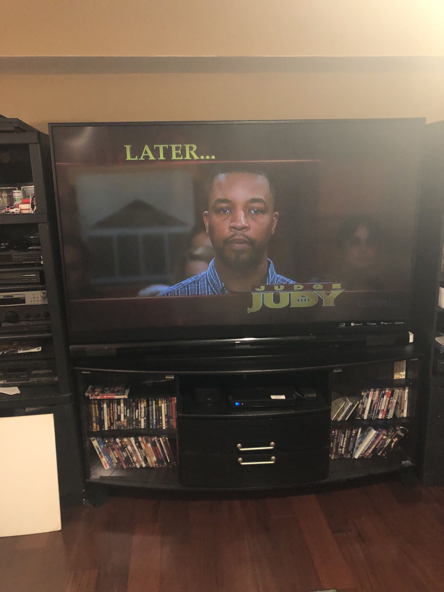 73 inch Mitsubishi tv with tv stand 600 obo with delivery