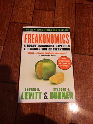 Freakonomics Book-Steven D. Levitt and Stephen J. Dubner for Sale in Dinuba, CA