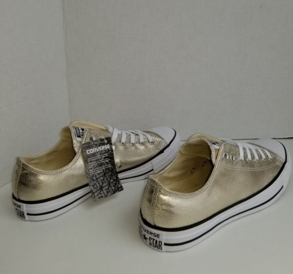 NWT Converse Chuck Taylor All Star Mens 10 for Sale in Orlando cad448433