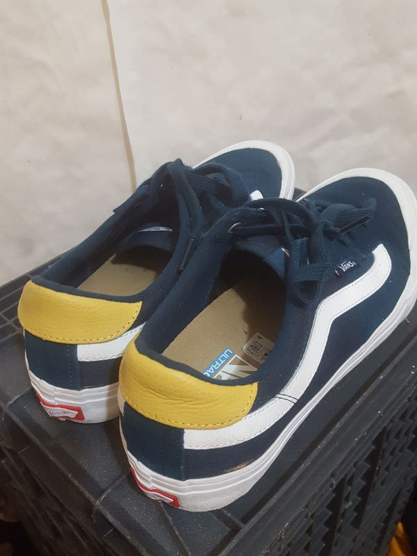 a2968949399349 2 Pairs VANS Ultracush low top shoes size 12 for Sale in Long Beach ...